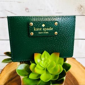 🆕NWT Kate Spade ♠️ card holder in hunter green